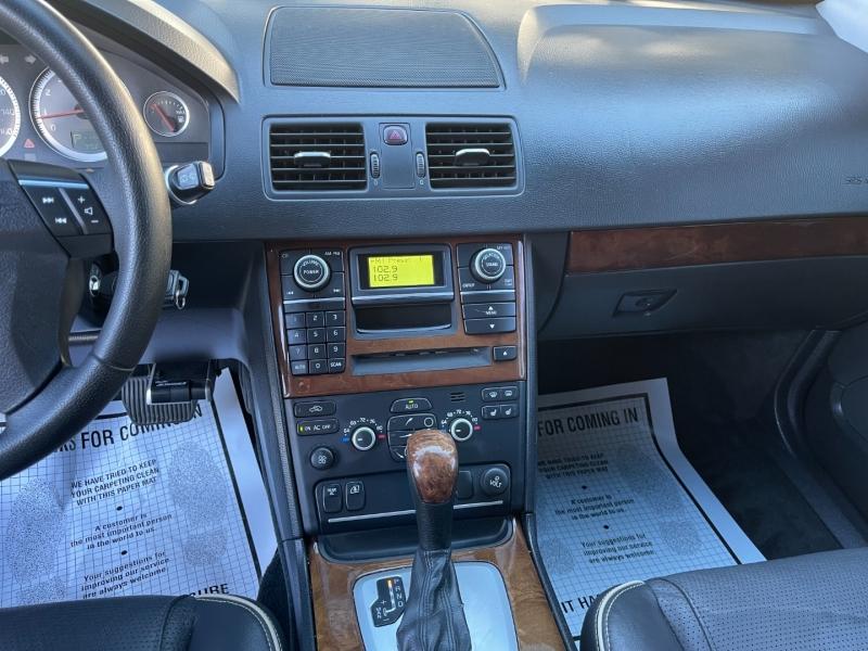 Volvo XC 90 2009 price $11,495
