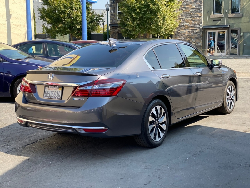 Honda Accord Hybrid 2017 price $18,975