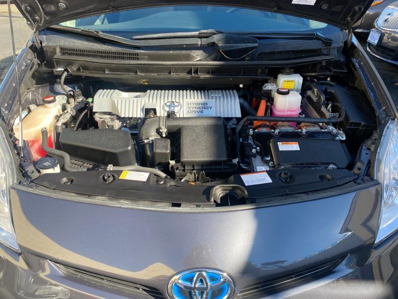 Toyota Prius 2015 price $10,975