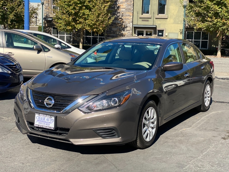Nissan Altima 2016 price $12,975