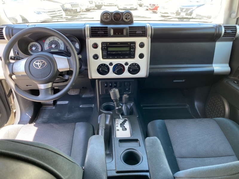 Toyota FJ Cruiser 2010 price $29,975
