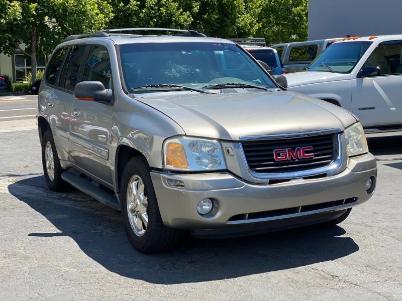 GMC Envoy 2002 price $3,975