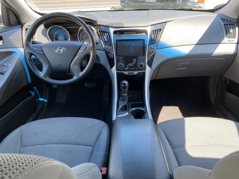 Hyundai Sonata 2011 price $6,975