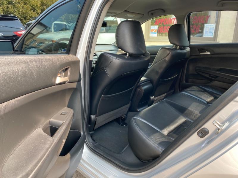 Honda Accord 2012 price $10,975