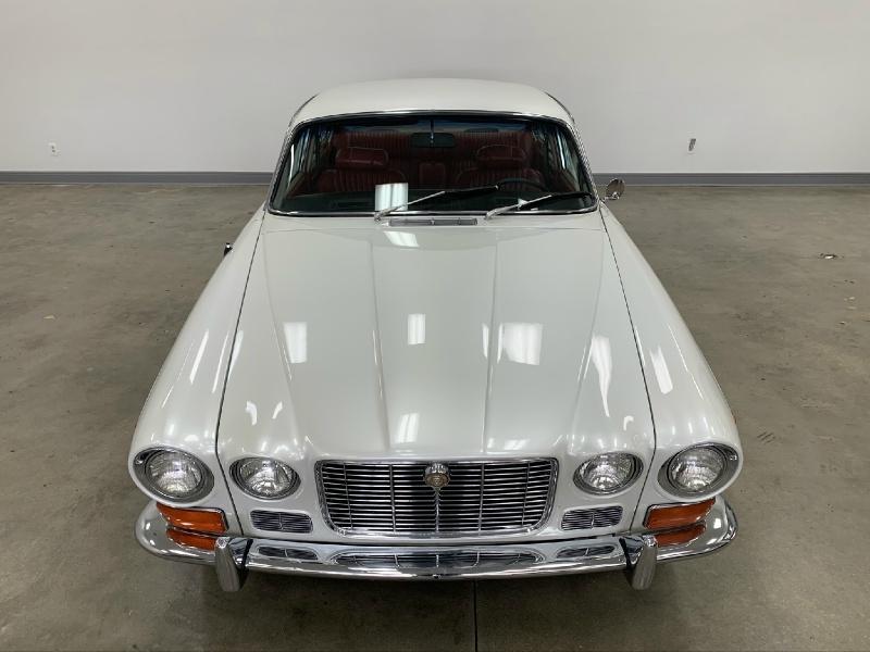 Jaguar XJ 1971 price $13,977