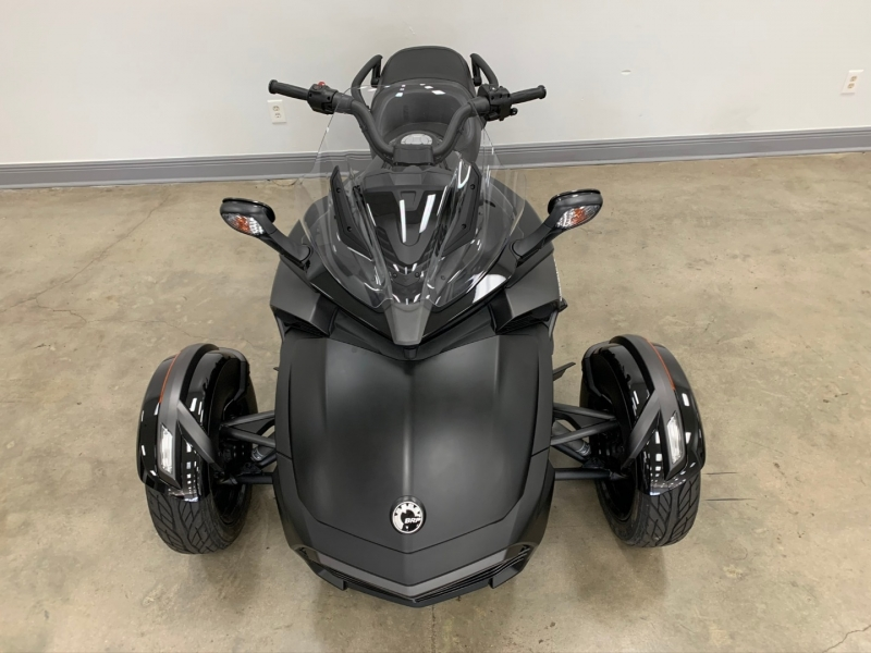 Can-Am Spyder F3-S 2018 price $15,977