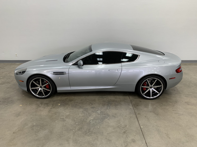 Aston Martin DB9 2005 price $44,977