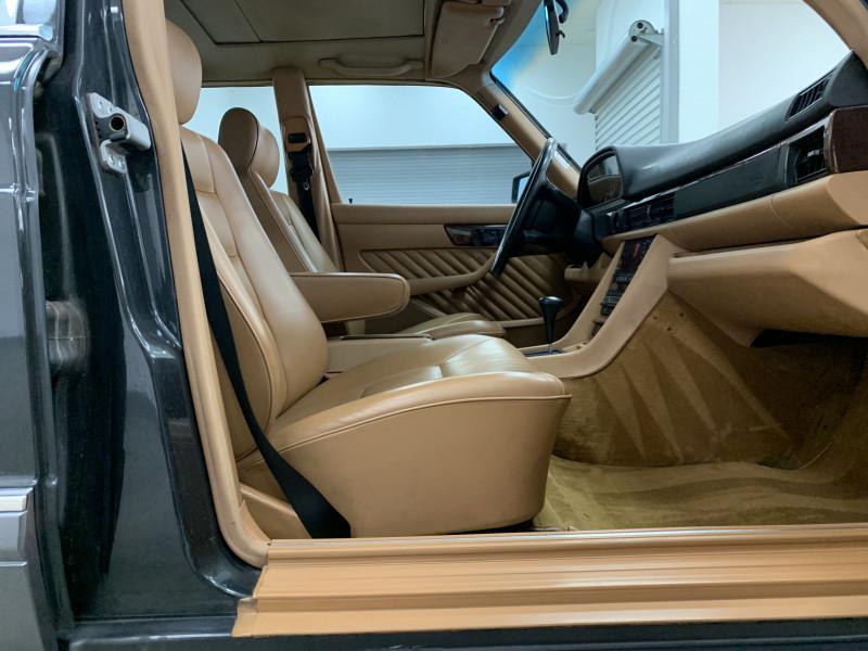 Mercedes-Benz 560 Series 1990 price $21,977