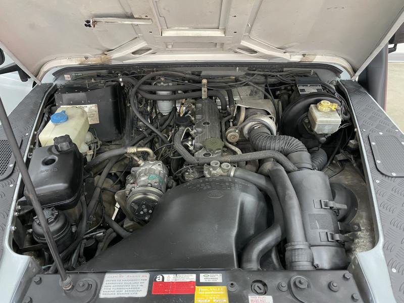 Land Rover Defender 1993 price $54,977