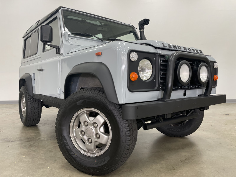 Land Rover Defender 1993 price $59,977