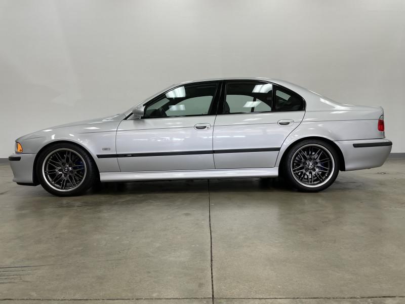 BMW M5 2002 price $39,977