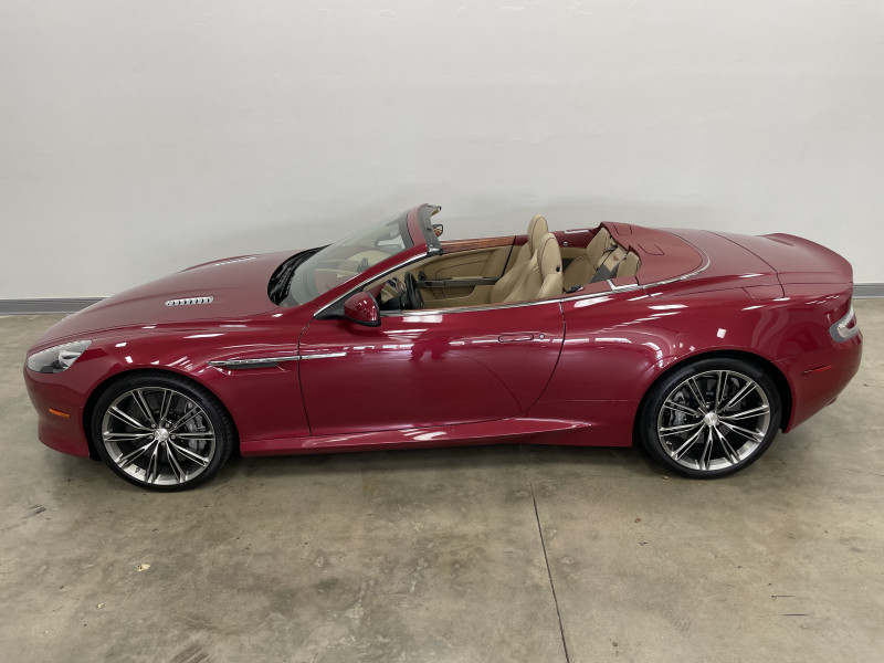 Aston Martin DB9 2013 price $79,977