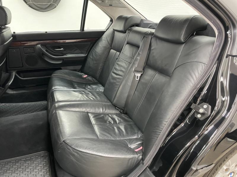 BMW 7-Series 2001 price $13,977