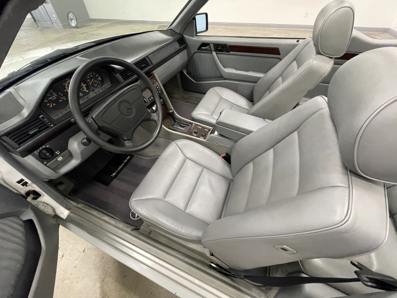 Mercedes-Benz E320 1995 price $13,977
