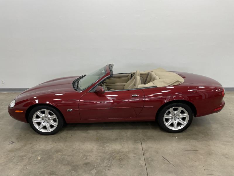 Jaguar XK 2000 price Sold