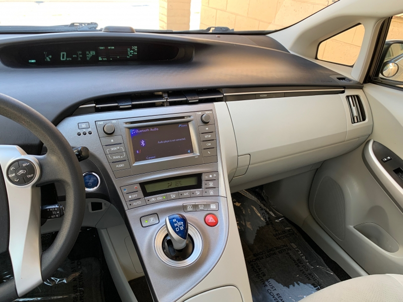 Toyota Prius 2015 price $8,999