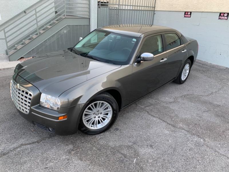 Chrysler 300 2010 price $6,999