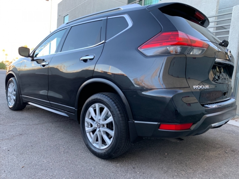 Nissan Rogue 2017 price $8,999