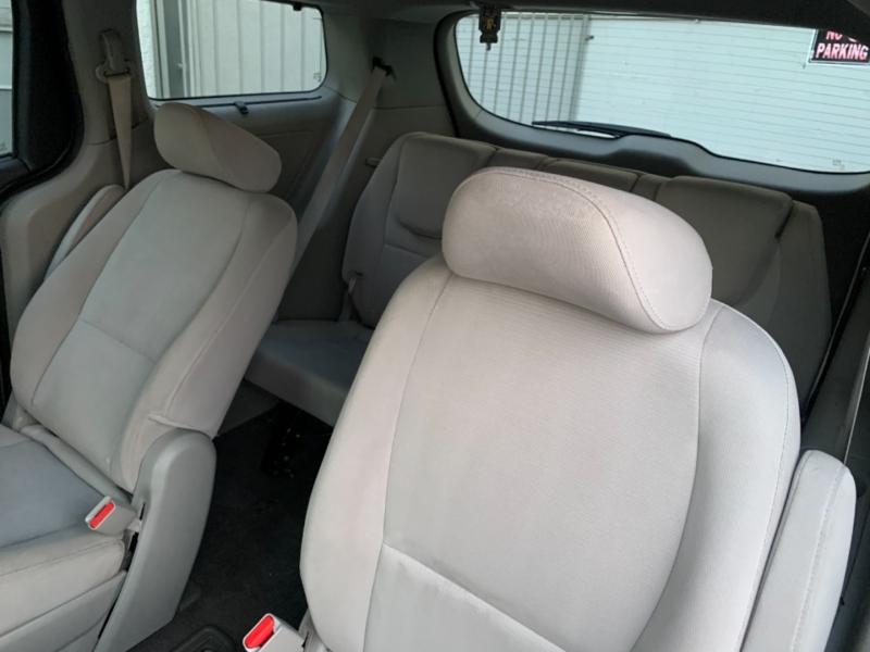 Kia Sedona 2015 price $6,999