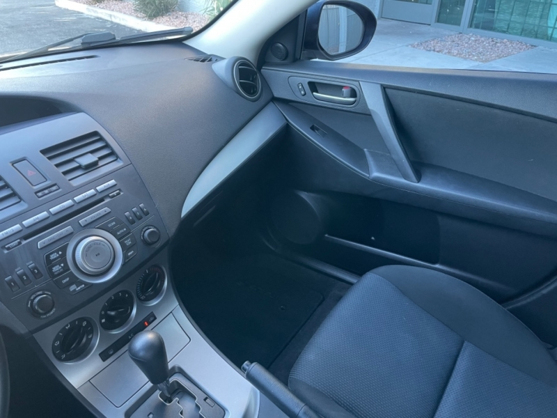 Mazda Mazda3 2011 price $7,999