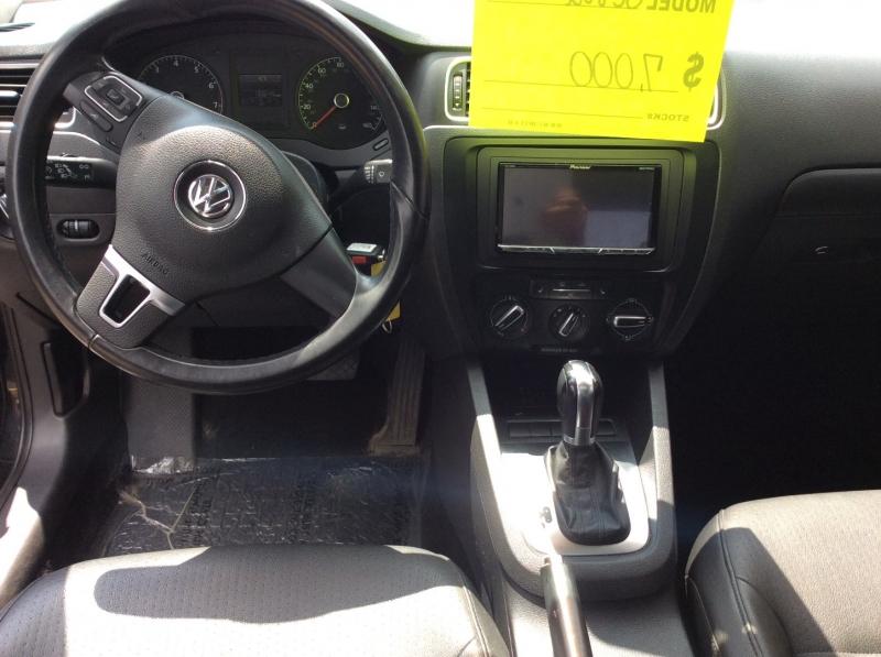Volkswagen Jetta Sedan 2011 price $6,000