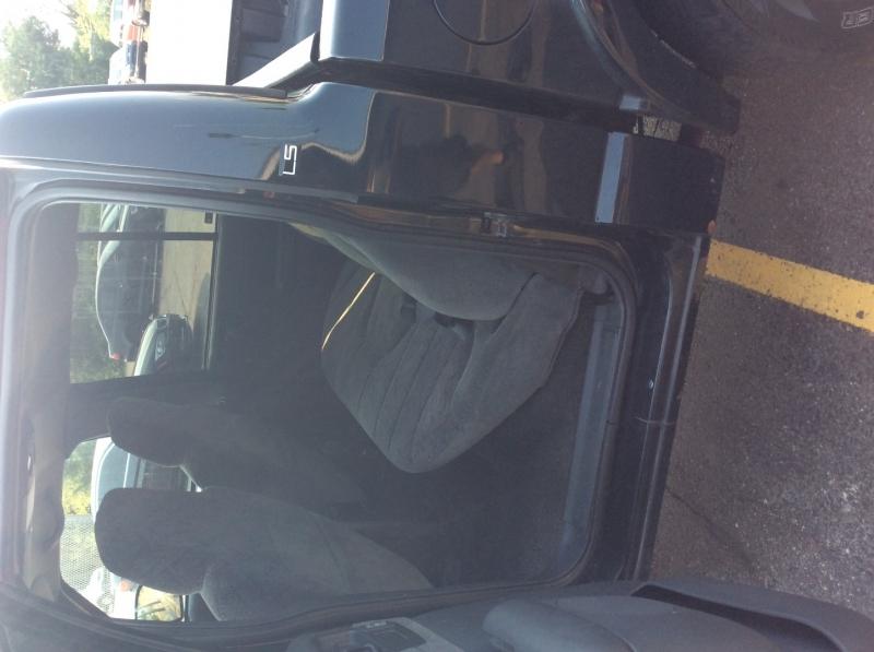 Chevrolet S-10 2002 price $3,500