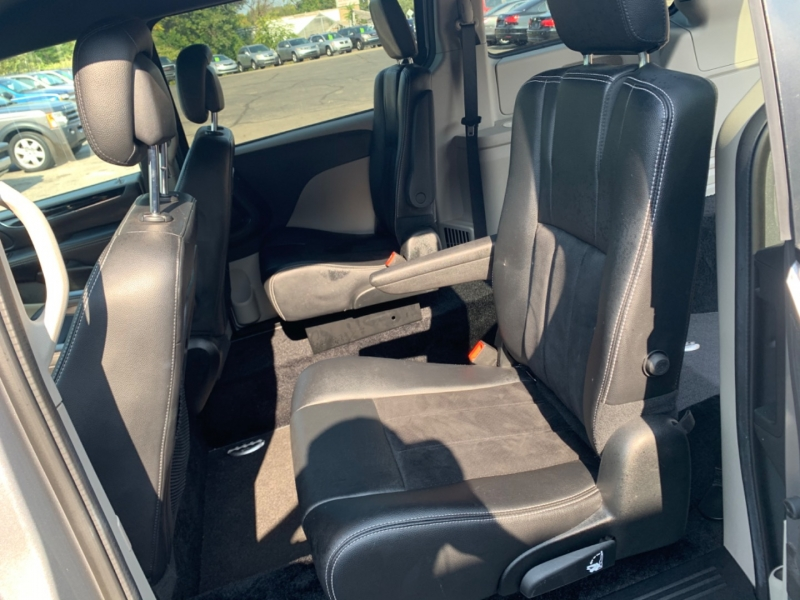 Dodge Grand Caravan 2018 price $28,000