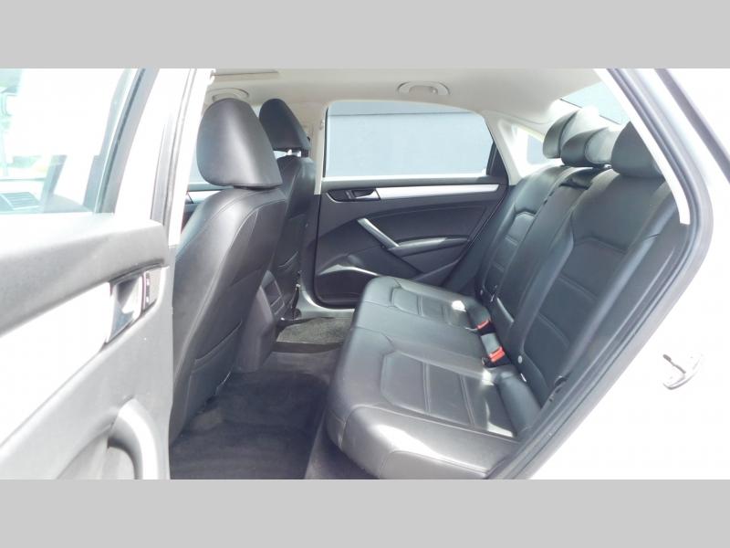 Volkswagen Passat 2012 price $6,999