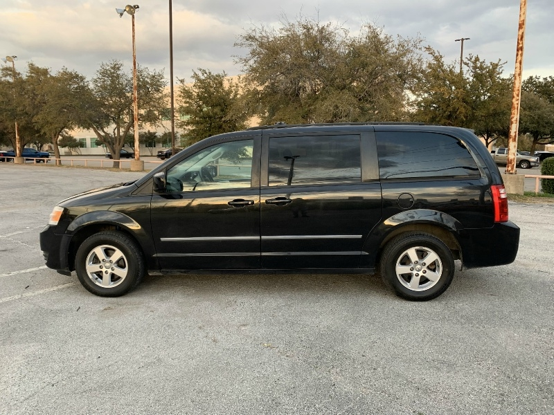 Dodge Grand Caravan 2010 price $4,700