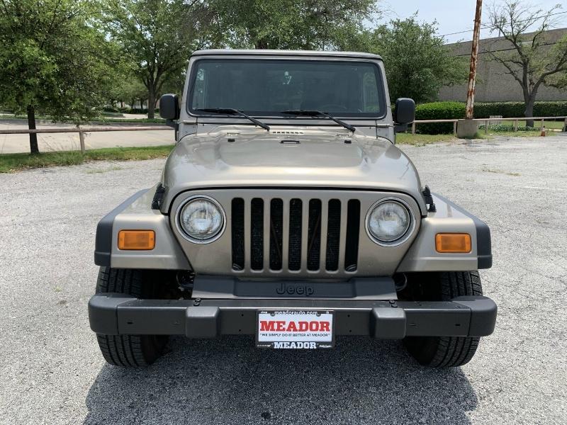 Jeep Wrangler 2004 price $8,990