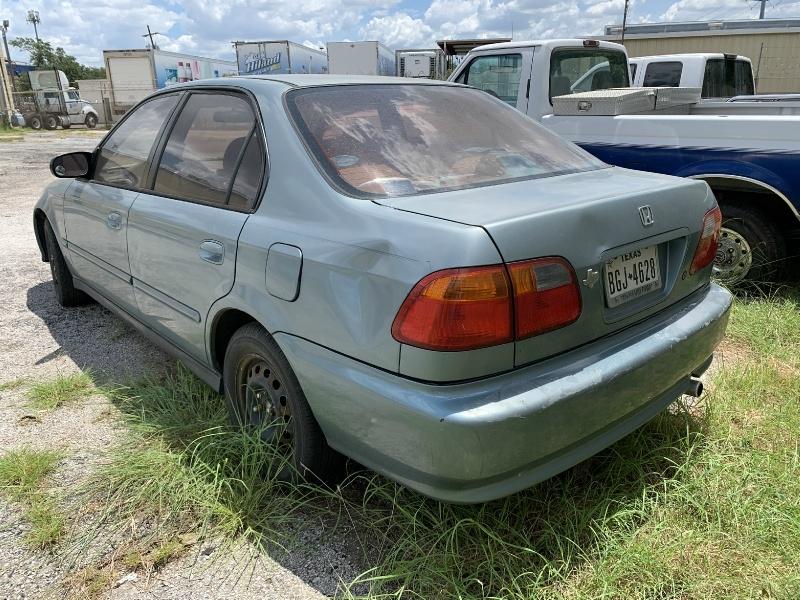 Honda Civic 2000 price $800