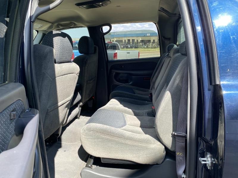 Chevrolet Avalanche 2004 price $6,500