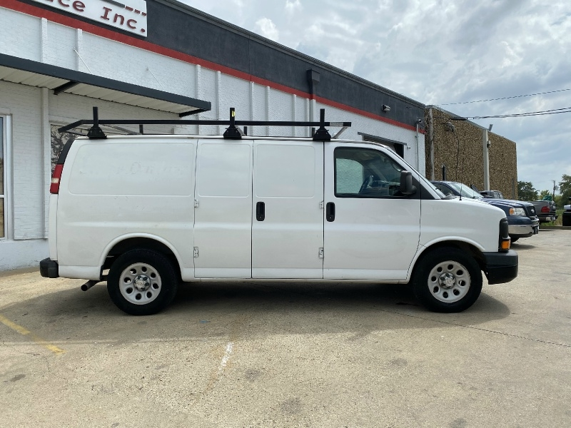 Chevrolet Express Cargo Van 2009 price $8,990