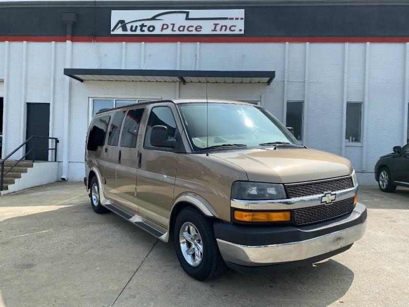 Chevrolet Express Passenger 2004 price $8,990