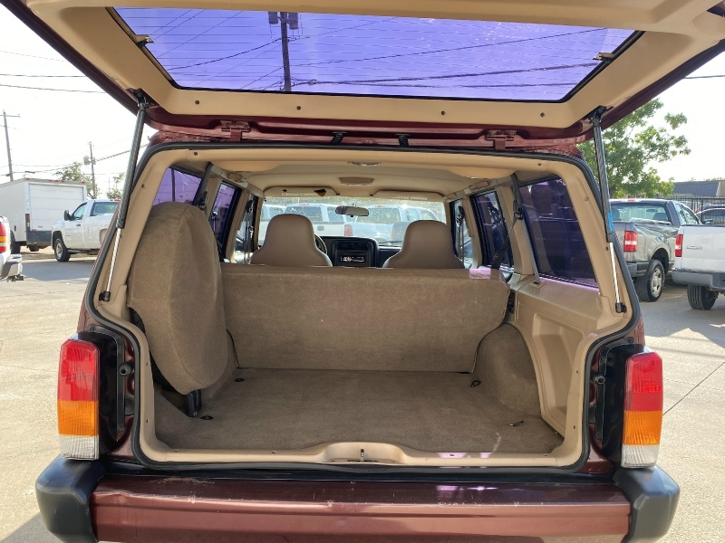 Jeep Cherokee 2001 price $4,990