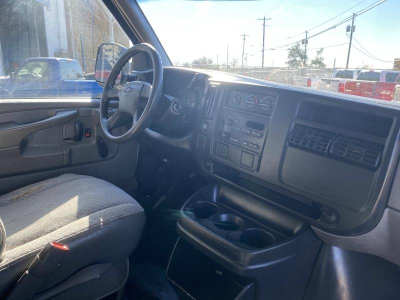 Chevrolet Express Cargo Van 2004 price $6,500