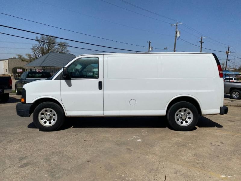 Chevrolet Express Cargo Van 2010 price $11,990