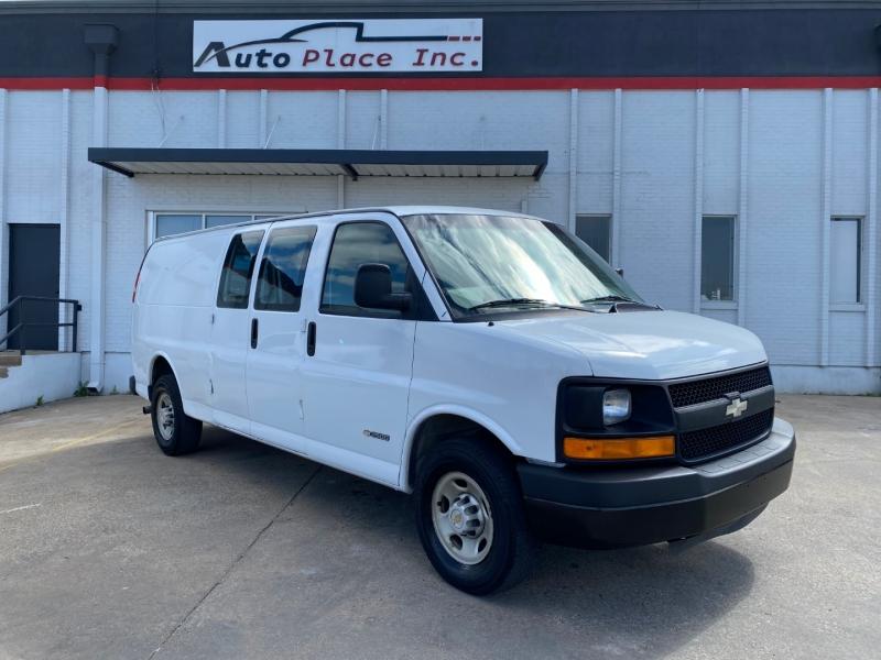 Chevrolet Express Cargo Van 2005 price $8,990