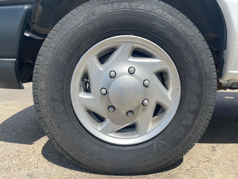Ford Econoline Cargo Van 2010 price $17,990