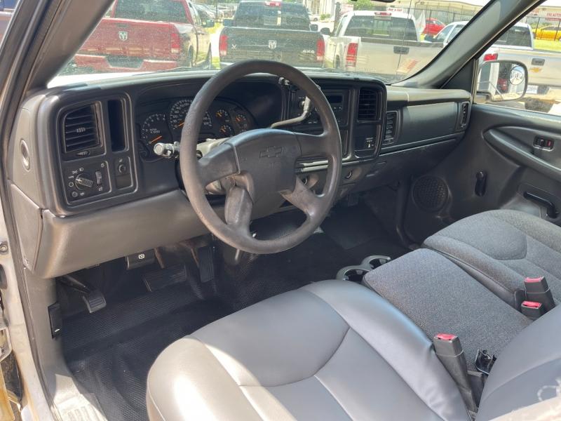 Chevrolet Silverado 2500HD 2004 price $7,500