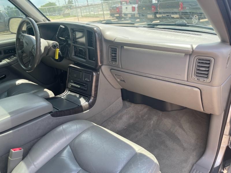 GMC Yukon XL Denali 2005 price $7,990