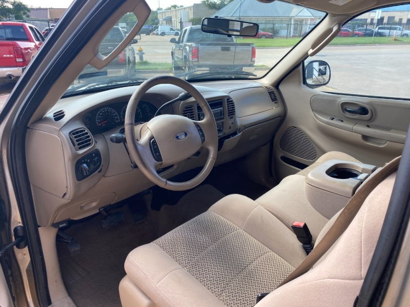 Ford F-150 2003 price $5,990