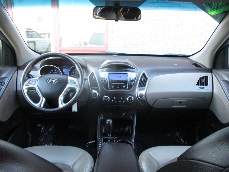 Hyundai Tucson 2012 price $7,800