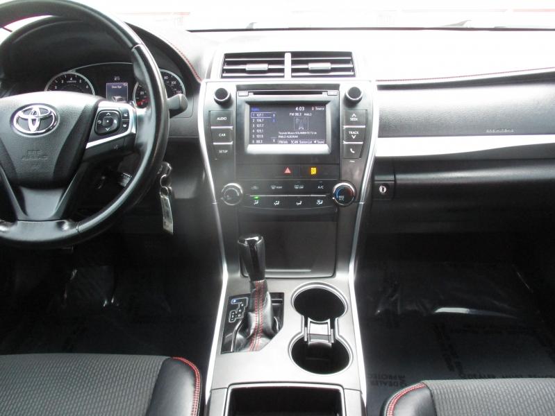 Toyota Camry 2016 price $13,250