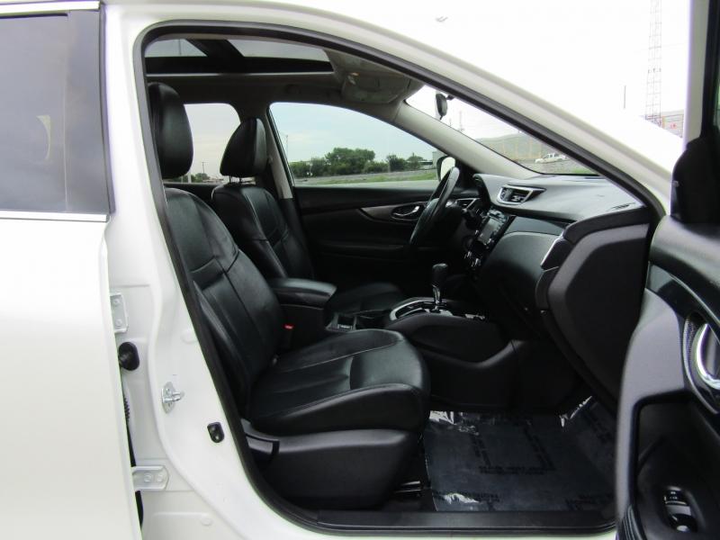 Nissan Rogue 2015 price $14,350