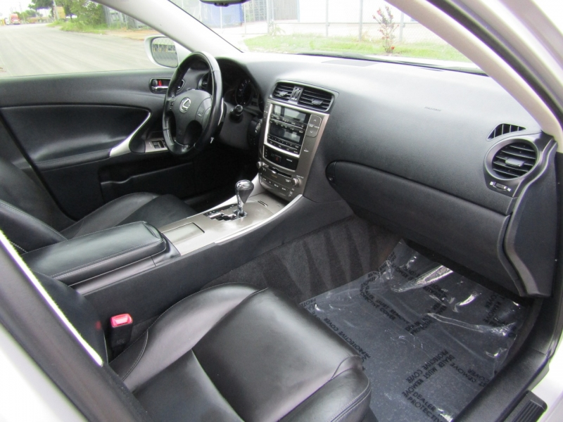 Lexus IS 250 2009 price $9,900