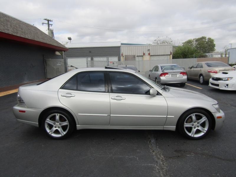 Lexus IS 300 2004 price $7,444