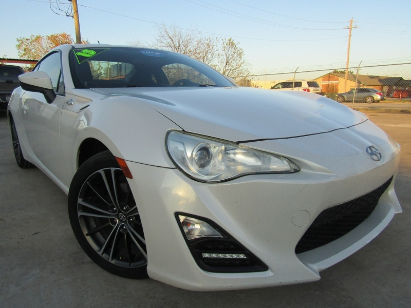 Scion FR-S 2013 price $10,444