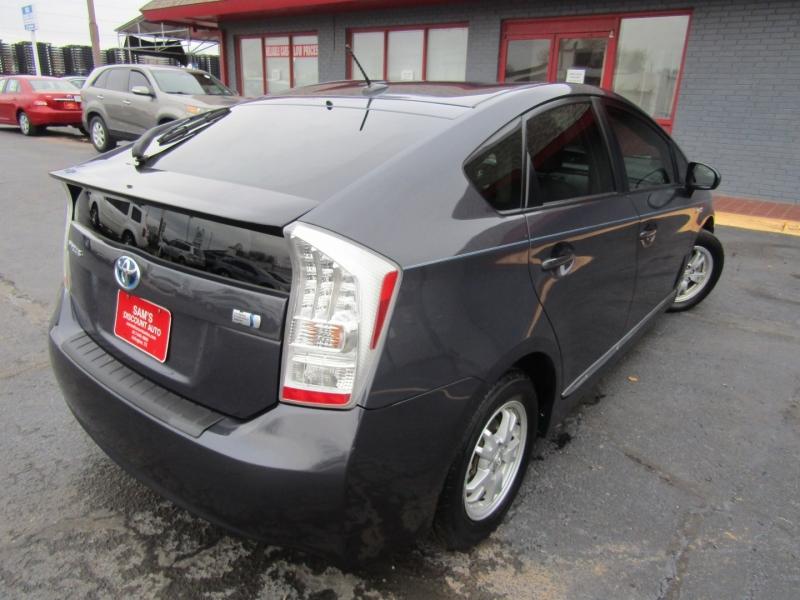 Toyota Prius 2011 price $7,944