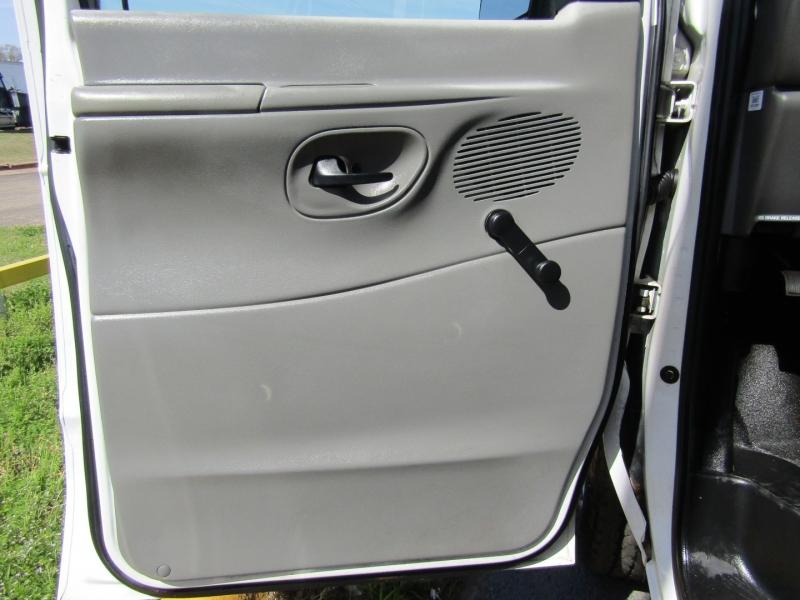 Ford Econoline Wagon 2005 price $8,944